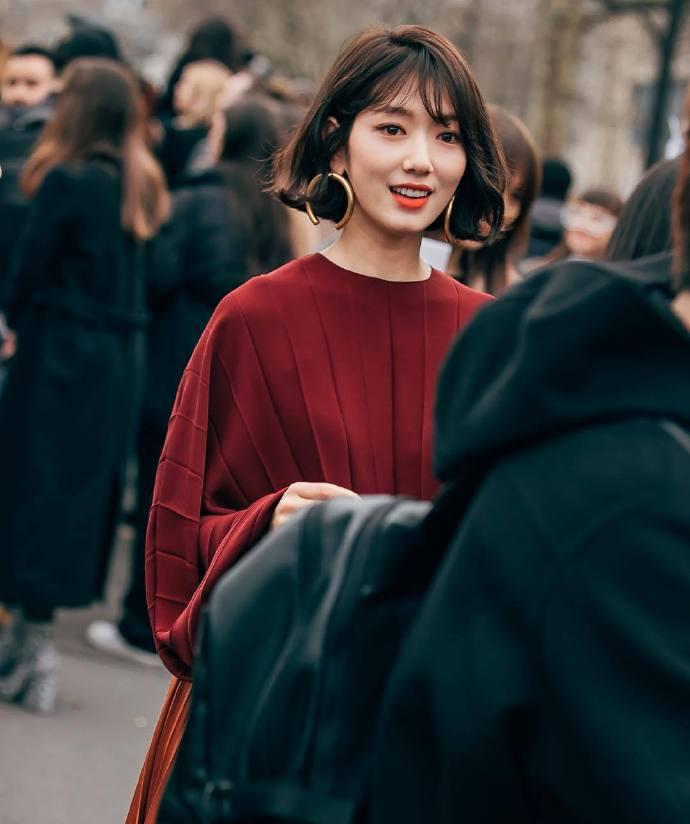 女神朴信惠出席巴黎时尚周【短发造型】又再次美到冒出仙气!女神就是能全场Carry啊!
