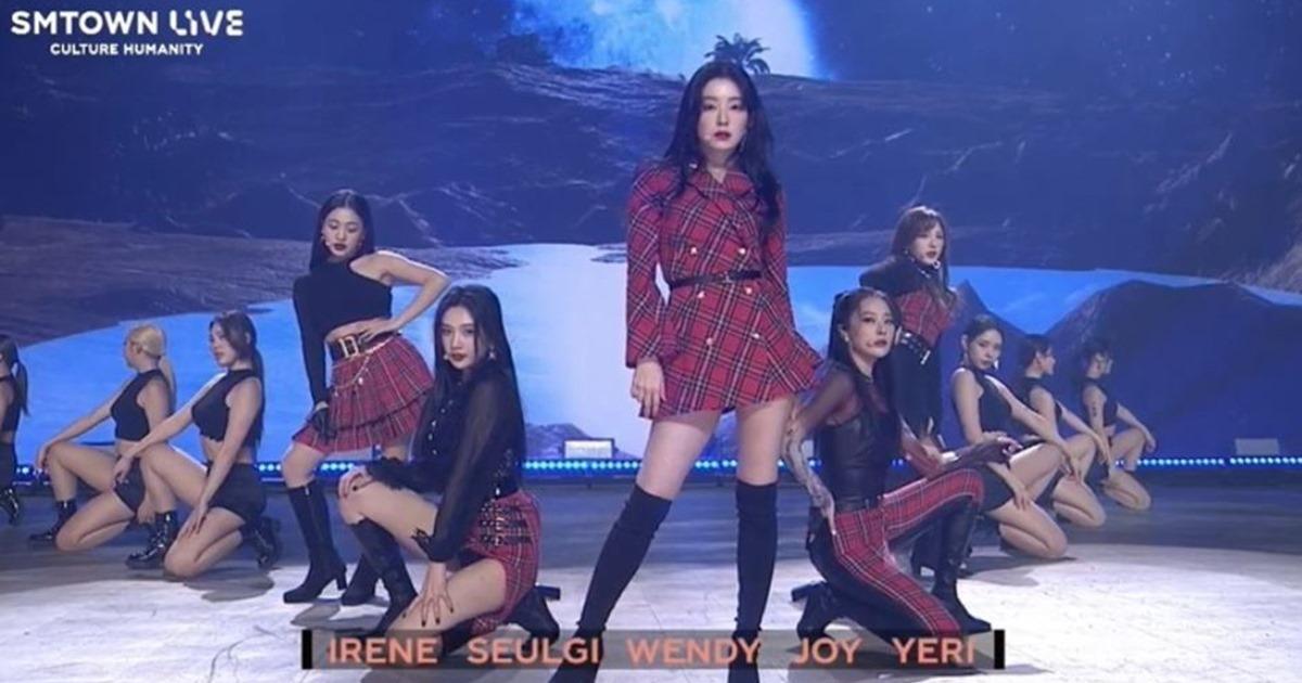 "'SM 타운 라이브'아이린과 웬디, 오랜만에 무대 … ""레드 벨벳 완전 행복하다""|  급파"