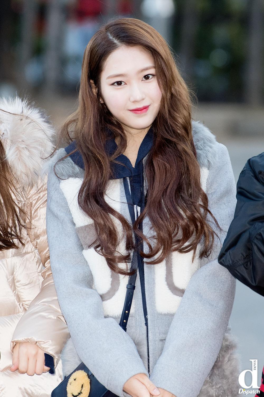 A cute and lively Korean girl at Naksan Park,Korea - YouTube
