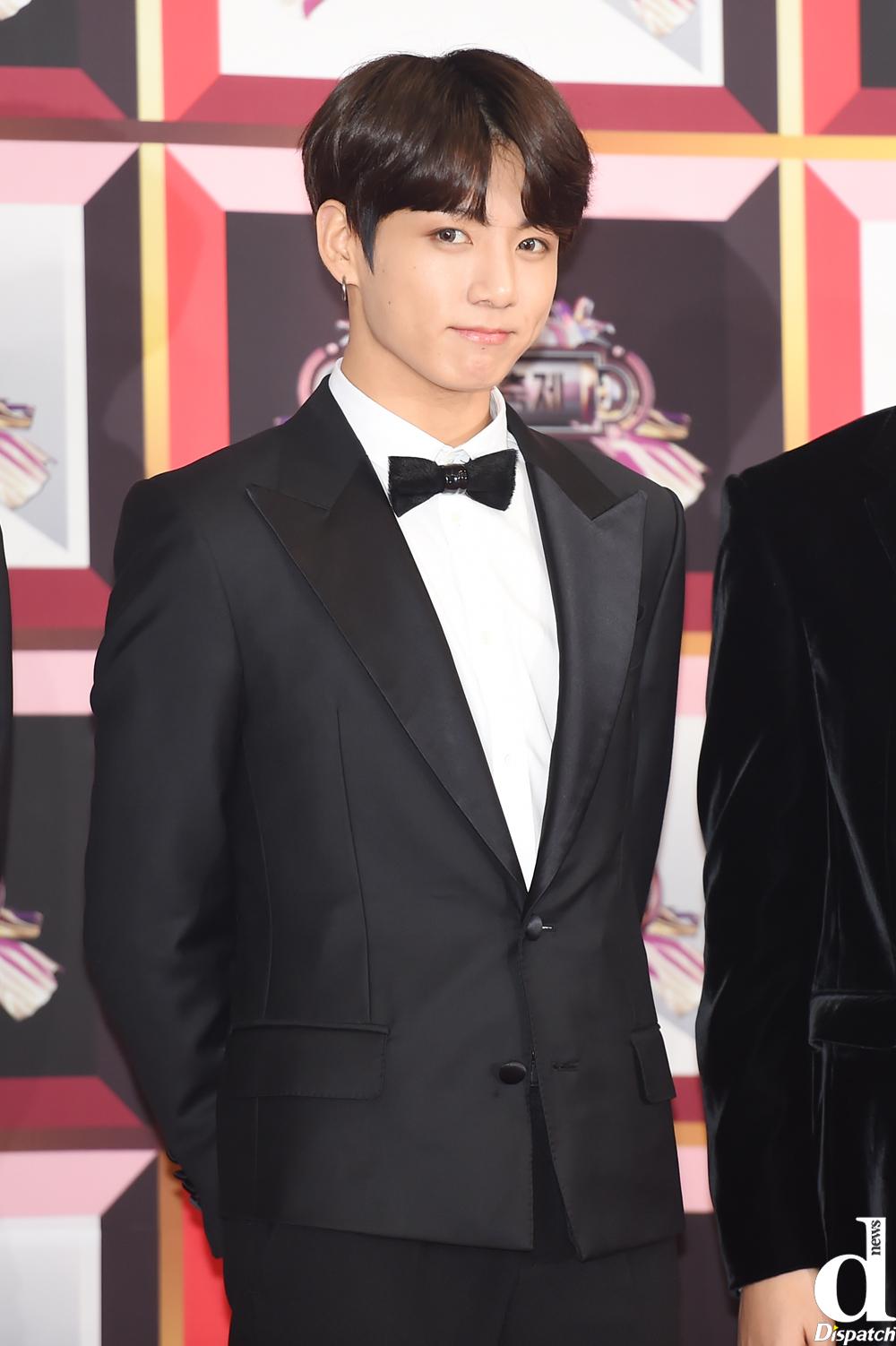 Jungkook vs Baekhyun, Both of them have a baby face, right